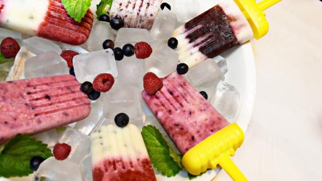 Mixed berry ice pops